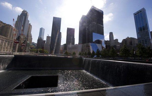 178361_le-memorial-de-ground-zero-a-new-york-le-9-septembre-2011